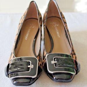 B Makowsky Shoes 6 Donna Leopard Haircalf Buckle